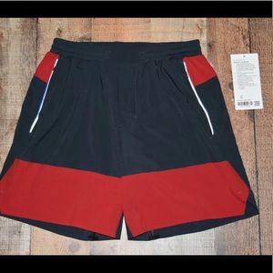 """Lululemon Switch up shorts- M 7"""""""